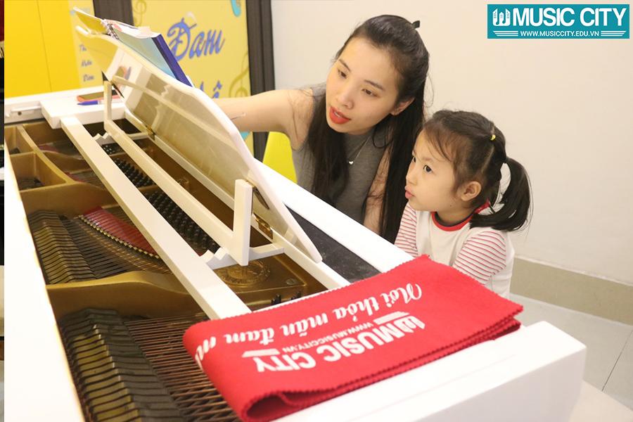 Hình ảnh khóa học đàn piano tại Music City